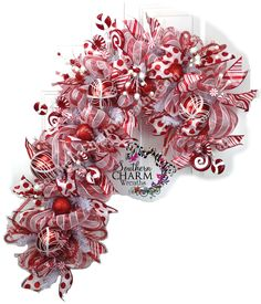 Video tutorial deco mesh candy cane wreath at www.learndecomeshwreaths.com DIY Wreath, Holiday Wreath, How to make deco mesh wreath