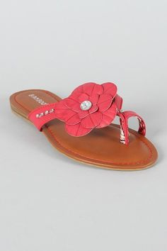 Pretty summer sandals! Lovveee!