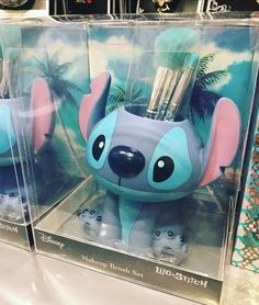 I really want this!!! Stitches Makeup, Stich Disney, Disney Love, Disney Stuff, Disney Magic, Disney Pixar, Walt Disney, Cute Makeup, Makeup Looks