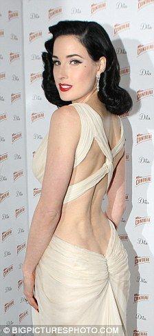 Vestidos para verte sexy enseñando la espalda | Planeta de Mujeres