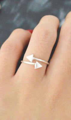 Arrow Ring <-- L.O.V.E. -->