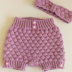 @rosasauen makes the most beautiful things using #DROPSyarn - just take a look at this adorable baby set in #DROPSMerinoExtraFine ❤ This is not a #dropsdesign but a pattern by Hilde Tunheim Johannesen that you can buy by clicking the link in our profile! And don't forget its #DROPSMerinoMania which means you can get the yarn you need with 25% DISCOUNT!  #dropsfan #merinomania #knitforkidss #barnestrikk #sale #såpeboblestrikk #såpeboble #knitting