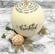 The Thankful Pumpkin is a fun and simple tradition you can start with your family to focus on gratitude this holiday season! Thanksgiving Diy, Thanksgiving Traditions, Holiday Traditions, Thanksgiving Decorations, Halloween Decorations, Fall Crafts, Holiday Crafts, Farmhouse Fall Wreath, Halloween Kostüm