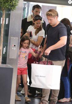 Jennifer Garner, Ben Affleck et leurs enfants Violet, Seraphina et Samuel à la gare du Nord à Paris pour Londres le 8 mai 2016.