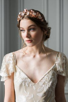 Our Gold Laurel Leaf Flower Crown is an absolute favorite! Perfect for the stylish bohemian bride or an ethereal garden wedding. Bridal Crown, Bridal Tiara, Crown Hairstyles, Wedding Hairstyles, Gold Leaf Crown, Flower Tiara, Crown Flower, Flower Crowns, Bohemian Flowers