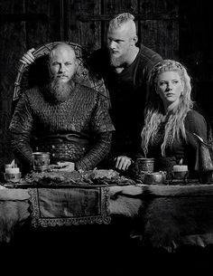 Ragnar, Lagertha and Bjorn | Vikings Season 4 First Look [x]