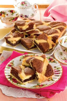 Tart with soft filling with almonds and chocolate Magpedia Brownie Muffin Recipe, Muffin Recipes, Cake Recipes, Dessert Recipes, Sweet Corner, Muffins, Different Cakes, English Food, Italian Desserts