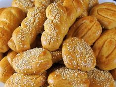 Greek Sweets, Greek Desserts, Greek Recipes, Greek Cookies, Almond Cookies, Greek Easter, Easter Cookies, Pretzel Bites, Biscuits