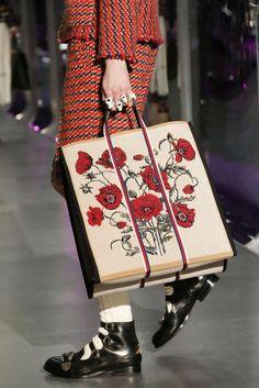 Women's Handbags & Bags : Gucci Fashion Show Details - Fashion Inspire Winter Fashion Outfits, Fashion Week, Fashion 2020, Fashion Bags, Gucci Handbags, Gucci Bags, Purses And Handbags, 2017 Handbags, Designer Handbags