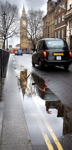 Taxi, Big Ben & a puddle - Great George St, London. Beautiful London, Beautiful Places, The Places Youll Go, Places To Visit, England And Scotland, Highlands, Westminster, London England, Great Britain