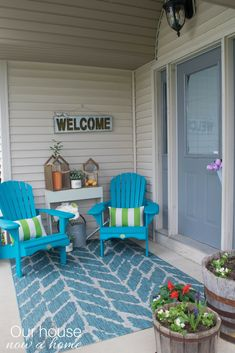 Spring front porch decorating ideas. These DIY wood Adirondack ...