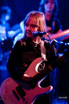 Girls Rock! Zoe Thomson plays guitar