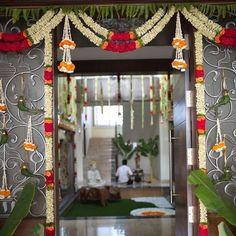 Wedding Table Plan Creative 18 Ideas For 2019 Diwali Decorations At Home, Marriage Decoration, Wedding Stage Decorations, Door Flower Decoration, Flower Decorations, House Warming Ceremony, Housewarming Decorations, Wedding Vase Centerpieces, Entrance Decor