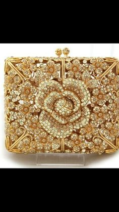 The Ultimate Golden Clutch ★★★