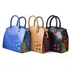 Alain Niava est un styliste et accessoiriste ivoirien basé à Abidjan. Dans  les années 90 ff71f67e7f4