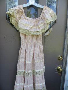 1950s crochet lace and cotton satin trim  by Linsvintageboutique
