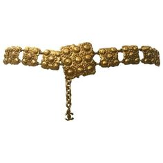 Preowned Chanel Vintage 1980s Gold Chain Belt Hanging Cc Logo Square... ($795) ❤ liked on Polyvore featuring accessories, belts, multiple, logo belts, round belt, hook belt, karl lagerfeld and polka dot belt