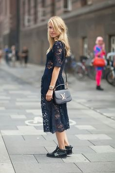 Sneakers fashion trend for fall - http://fabyoubliss.com/2014/07/24/13-wearable-fashion-trends-for-fall-2014