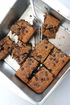 Chocolate Chip Almond Butter Bars (vegan, gluten-free, refined sugar-free | Emilie Eats