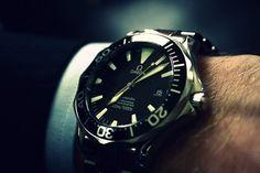 Omega Seamaster old school Seamaster 300 Fine Watches, Cool Watches, Watches For Men, Simple Watches, Dream Watches, Men's Watches, Rolex, Patek Philippe, Seiko