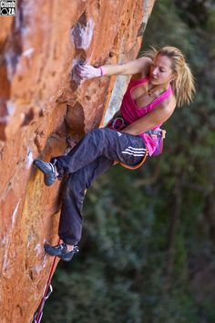 Sasha DiGiulian on Godzilla (32/8b) at Waterval Boven, South Africa. Photo Jonathan Joseph