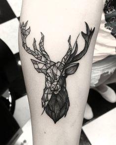 Cervo #bruscioprado #pioneirosinkersclub #cervotattoo #geometrictattoo #black - Bruscio Prado (@bruscioprado) Wolf Tattoos, Deer Skull Tattoos, Animal Tattoos, Tatoos, Nape Tattoo, Forearm Tattoos, Arm Band Tattoo, Stag Tattoo Design, Tattoo Designs