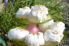 #Eis #Weisses Schokoladeneis #Baisers Weisses Schokoladeneis mit Zimtbaisers Mascarpone, Ice Cream Maker Machine, Merengue, Cinnamon, Yogurt