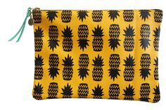 Falconwright Clutch- Yellow Leather with Black Pineapples. OMGAHHH to match my pineapple Strathcona stockings...