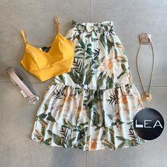 Nenhuma descrição de foto disponível. Casual Outfits For Teens, Modest Outfits, Casual Dresses, Look Fashion, Skirt Fashion, Fashion Dresses, Elegant Dresses For Women, Looks Chic, Cute Summer Dresses