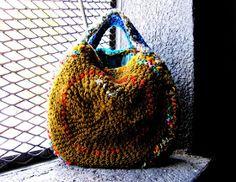 sexy what a regular monday might need_ Crochet Bag Tutorials, Crochet Projects, Crochet Patterns, Crochet Handbags, Crochet Clutch, Crochet Bags, Purse Hook, Art Bag, Craft Bags