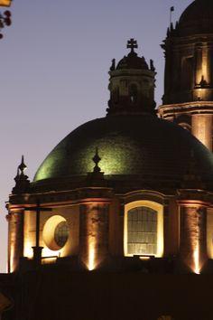 Una extraordinaria toma de una extraordinaria cúpula de la majestuosa ciudad de Querétaro, Mexico