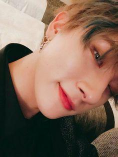 MONSTA X -- I never realized Changkyun with contact lenses is a dangerous mass weapon Jooheon, Hyungwon, Kihyun, Shownu, Monsta X Wonho, K Pop, Im Changkyun, Starship Entertainment, Taeyong