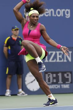 Serena Williams at US Open 2012 West Palm Beach, Venus And Serena Williams, American Athletes, Professional Tennis Players, Tennis Quotes, Tennis Players Female, Tennis Fashion, Tennis Stars, Sports Stars