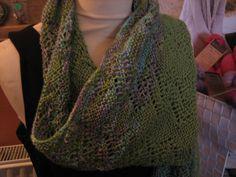 Ich habe mich so in das Garn Manos del Uruguay Serena verliebt, dass ich ein Schal entwickelt habe. Weitere Farben und die Anleitung findet ihr auf www.daswollschafcharlotte.de oder die Anleitung auf Ravelry.