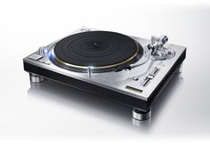 Technics Grand Class SL-1200GAE turntable