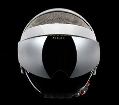 This ski helmet combines the futuristic and retro with a wire mesh shell and integrated lens system. The result is a modern and innovative ski helmet that Ski Helmets, Riding Helmets, Ski Goggles, Armor Concept, Bicycle Helmet, Futuristic, Retro Fashion, Skiing, Lens