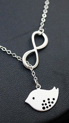 Oh man this is beautiful! And I'm not a jewelery fiend... I would love this ( :