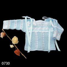 En esta sección encontrarás labores realizadas a mano por mí misma.   0751._ Chaquetita de lana en color rosa bebé para puestas aproximadame...