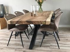 Pin van Shital Jhaveri op Wood slab dining table in 2020 Wood Slab Dining Table, Dining Room Table Decor, Living Room Decor, Timber Furniture, Home Renovation, Wow Factor, Home Decor, Modern Dining Table, Ideas