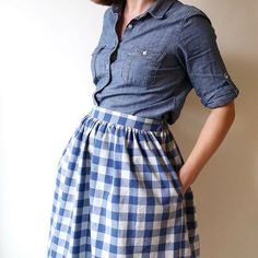 This gathered skirt features a flat-front waistband with elastic in the back for a flattering and comfortable fit. Two views are included: a knee-length version with cutout pockets and contrasting hem band, and a midi-length version with inseam pockets. Skirt Patterns Sewing, Clothing Patterns, Skirt Sewing, Sewing Ruffles, Pdf Patterns, Sewing Blogs, Sewing Projects, Sewing Ideas, Sewing Lessons