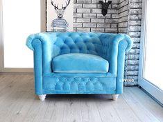Bardzo wygodny i komfortowy fotel chester ! W najróżniejszych tkaninach ! Zobacz na Liiving.pl i zamów ! 😍 Chesterfield Chair, Tub Chair, Accent Chairs, Furniture, Home Decor, Upholstered Chairs, Decoration Home, Room Decor, Home Furnishings