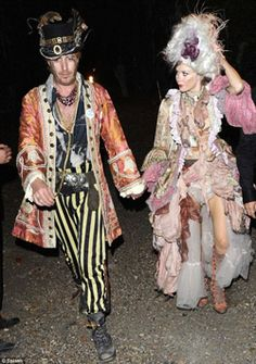 Rhys Ifans Anna Friel dressed in Prangsta @ Bob Geldof's New Orlean's Voodoo themed party. Fashion Art, Fashion Outfits, Fashion Design, Voodoo Costume, New Orleans Voodoo, Anna Friel, Dress Up Boxes, Fantasy Costumes, Period Outfit