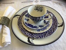 Blue White Plate Place Setting Tea cup Sauder Salad plate Dinner Plate Vintage Cobalt Farmhouse Mismatch BOHO Transferware Diy Caravan, Timeless Kitchen, White Plates, Salad Plates, Place Settings, Dinner Plates, Cobalt, Dinnerware, Tea Cups