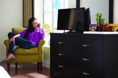 Ready for college? Consider renting furniture for your first apartment. #CORT