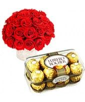 Discover Yourself: FlowerznCakez arrange this beautiful combo at reasonable price only for you, for your special Romantic Valentines Day Ideas, Best Valentine's Day Gifts, Valentine Chocolate, Gifts For Your Boyfriend, Beautiful Gifts, Online Gifts, Discover Yourself, Valentine Day Gifts, Dog Food Recipes