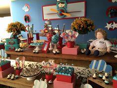 Que fofura esta Festa Aviador!!Muito amor por esta decoração.Imagens Nathalia Velloso Ventrilho.Lindas ideias e muita inspiração.Bjs Fabíola Teles.Mais ideias lindas: Nathalia Velloso Ventrilh...