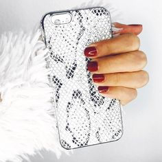 """Instagram의 Claudia Felix-Garay 