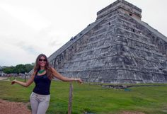 Sofía Vergara en Chichen-Itzá Sofia Vergara, Riviera Maya, Poses, Louvre, Building, Travel, Celebrity Photos, Pretty, Beach