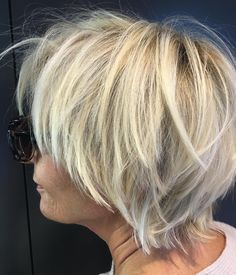 """44 Likes, 1 Comments - Haarwerk Ayse Auth (@haarwerkayseauth) on Instagram: """"I love my short hair ❤️only haarwerk! my blond only haarwerk☀️#smile #summer#painting .#haircut…"""""""