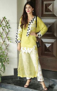 The style diva looks graceful in a festive design by this Eid Simple Pakistani Dresses, Pakistani Fashion Casual, Pakistani Bridal Dresses, Pakistani Dress Design, Pakistani Outfits, Indian Fashion, Fancy Dress Design, Stylish Dress Designs, Dress Neck Designs